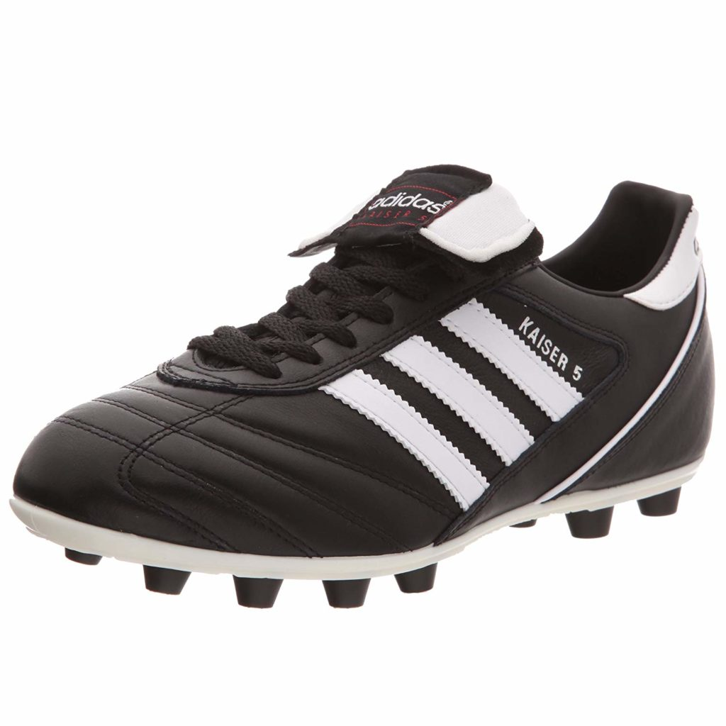 Football boots for defenders