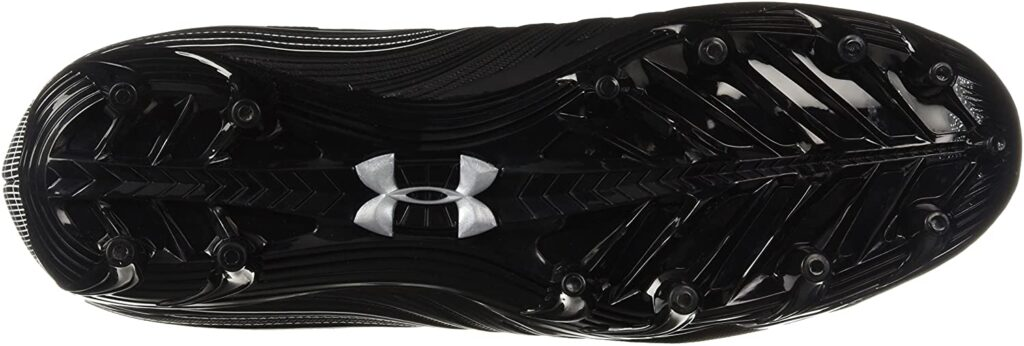 Under Armor Men's Nitro Mid MC football boot for shooting and passing